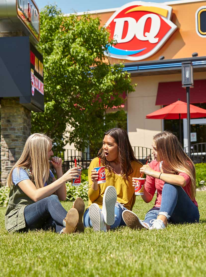 DQ Fans Outside in Summer